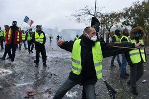 جدیدترین تصاویر از شدت گرفتن درگیریها در قلب فرانسه