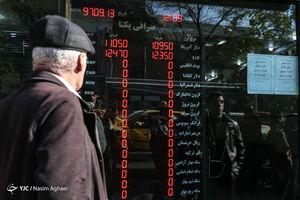 قوامی: قیمت دلار را دولت تعمداً بالا برد
