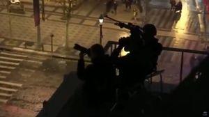 فیلم/ تک تیراندازها بالای سر معترضان فرانسوی!