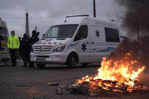 عکس/ شورش امدادگران در قلب فرانسه