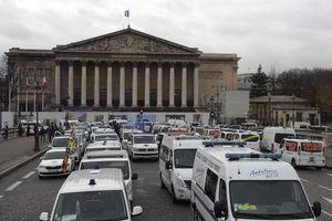 استقبال فرانسه از اصلاحات ماکرون با «سه شنبه سیاه»!
