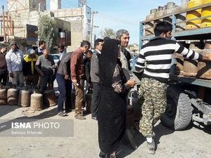 عکس/ کمبود گاز مایع در زابل