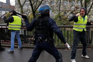 سکوت وزارت خارجه ایران در مقابل اعتراضات گسترده در فرانسه+ فیلم