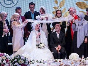 عکس خانم کارگردان از ازدواج 110 زوج معلول