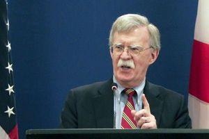 بولتون مخالفان آمریکا را تهدید کرد