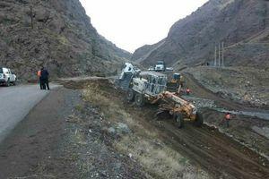 پل «خچیره» طالقان فرو ریخت/سقوط کامیون به رودخانه