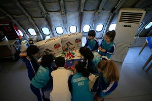 عکس/ هواپیمایی که تبدیل به مدرسه شد