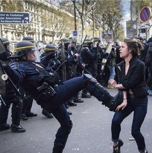 انگار پاریس پایتخت هیچ قبرستانی نیست! +عکس