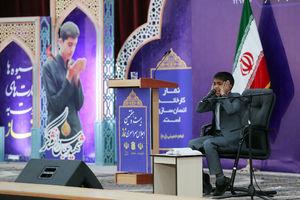 عکس/ تشکر ویژه روحانی از قاری نوجوان