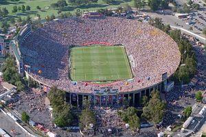 عکس/ منحصر به فردترین استادیوم تاریخ فوتبال