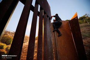 عکس/ تلاش پناهجویانبرای ورود به خاکآمریکا