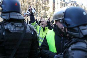 اعتصاب کارکنان فرودگاه شارل دوگل پاریس+ فیلم