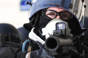 ضرب و شتم معترضان توسط پلیس فرانسه