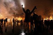 لیبرالهای فراری در پاریس چکار میکنند؟ +عکس