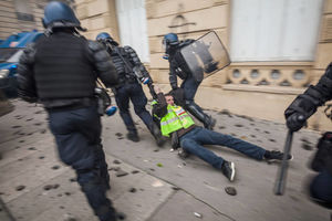 عکس/ بازداشت بیش از ۱۰۰۰ نفر در ۲۴ ساعت
