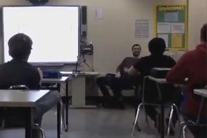 فیلم/ لحظه وقوع زمین لرزه در یک مدرسه!