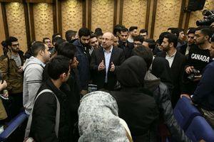 عکس/ قالیباف در جمع دانشجویان دانشگاه تهران