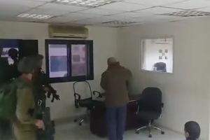 فیلم/ حمله صهیونیستها به ساختمان خبرگزاری رسمی فلسطین