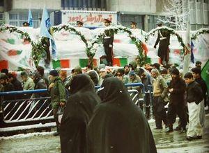 عکس/ تشییع در روز برفی