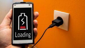 چرا نباید از موبایل در حال شارژ استفاده کرد؟ +فیلم