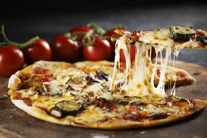 چرا پیتزا تا این حد اعتیادآور است؟