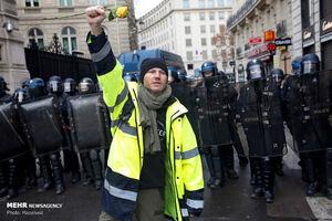 آغاز اعتراضات مردم پاریس در پنجمین شنبه سیاه فرانسه