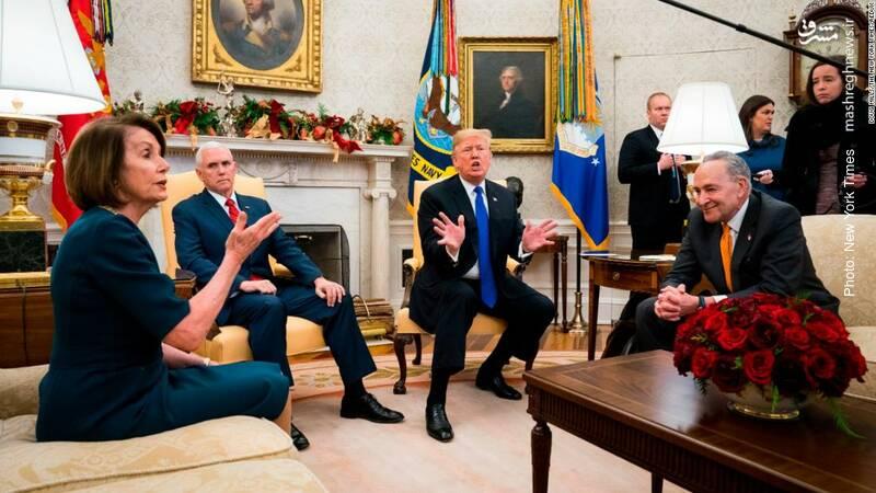گفتگوی ترامپ رئیسجمهور آمریکا با چاک شومر و نانسی پلوسی رهبر دموکراتهای سنا و مجلس نمایندگان پیرامون سیاستهای مرزی و بودجه دولت فدرال