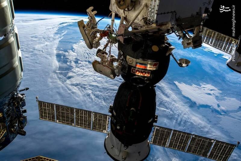 پیادهروی فضایی دو فضانورد روس