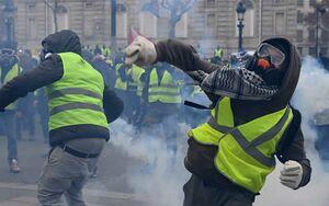 """فیلم/ درگیریهای """"پنجمین شنبه سیاه"""" پاریس"""