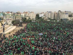 میدان الکتیبه در غزه کمتر از دو ساعت مانده به آغاز مراسم سی و یکمین سالروز تاسیس جنبش حماس