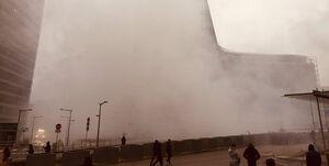 مقر کمیسیون اروپا در میان دود و آتش +عکس و فیلم