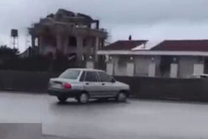 فیلم/ ریختن گازوئیل در وسط جاده نوشهر!