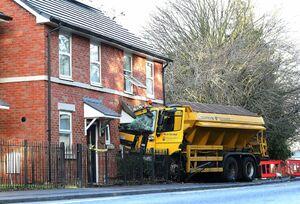 عکس/ برخورد شدید یک کامیون با یک خانه