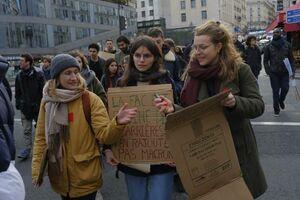 عکس/ ادامه تظاهرات ضد دولتی در فرانسه