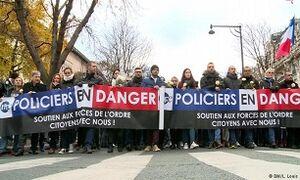 خودکشی در میان پلیس فرانسه افزایش یافت
