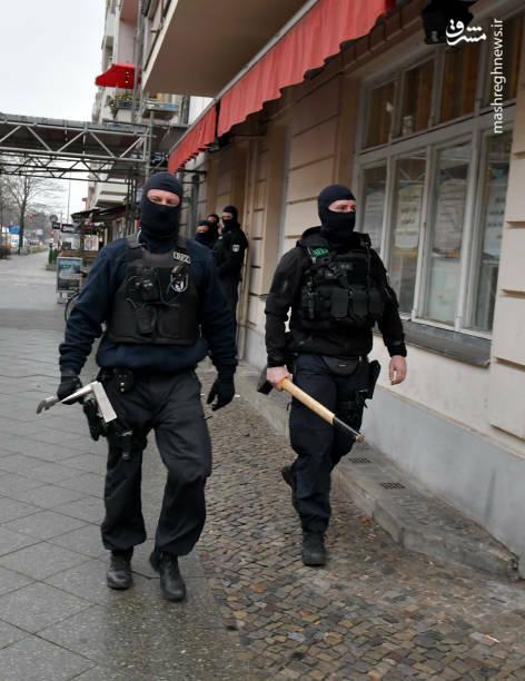تصاویر/ بازرسی مسجدی در برلین توسط پلیس آلمان