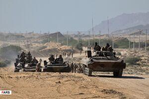 فیلم/ ورود تانک های سپاه به منطقه عملیاتی رزمایش