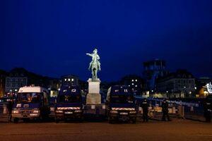 استقرار ۴۱۰۰ نیروی امنیتی در سراسر فرانسه