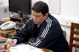 عکس/ باقری درمنی در حال نوشتن وصیتنامه
