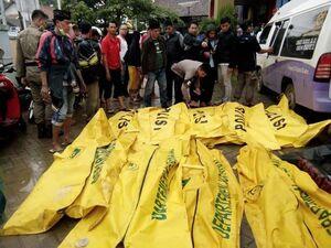 اجساد قربانیان سونامی اندونزی