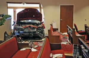 ورود ناگهانی خودرو به کلیسایی در اوهایو