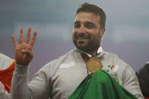 فیلم/ مدالآور المپیکی در راهپیمایی علیه اغتشاشگران