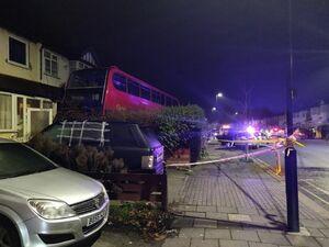 عکس/ تیراندازی به اتوبوسی در شمال لندن