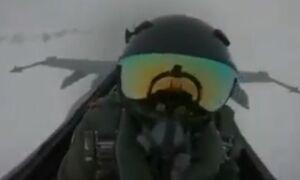 لحظه برخورد رعد و برق به کابین خلبان +فیلم