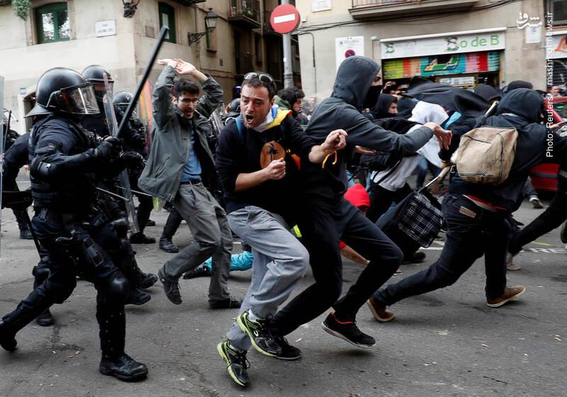 حمله پلیس به تظاهرکنندگان در اسپانیا