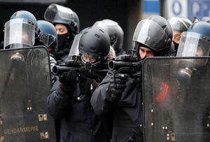 پلیس فرانسه ۴۵۰۰ معترض جلیقه زرد را دستگیر کرد
