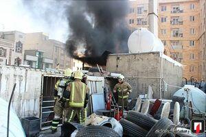 عکس/ مهار آتش سوزی در تالار پذیرایی