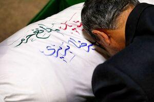 """عکس/ بازگشت پیکر شهید """"علیرضا بریری"""" پس از 3 سال از سوریه"""