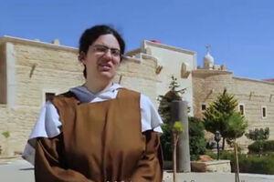 """فیلم/ مستند""""فرشتگان زمین""""؛ نجات راهبان کلیسا توسط نیروهای حزب الله"""