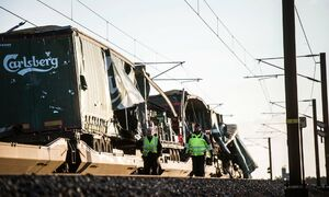 عکس/ 6 کشته در سانحه قطار در دانمارک